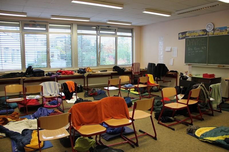 schlafen-im-klassenzimmer